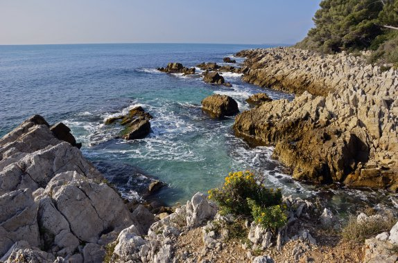 Open water swimming holidays in france on the french riviera - Point p antibes ...